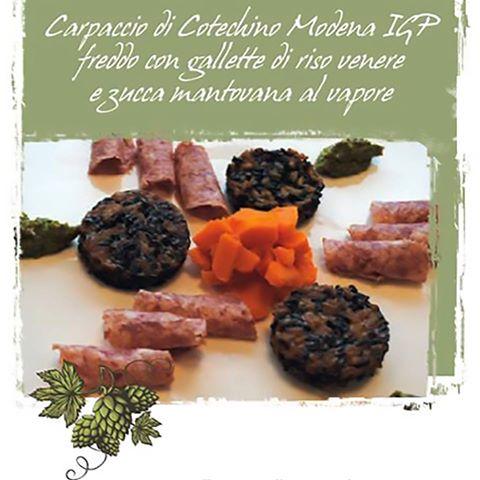 Carpaccio di Cotechino Modena IGP freddo con gallette di riso venere, la ricetta