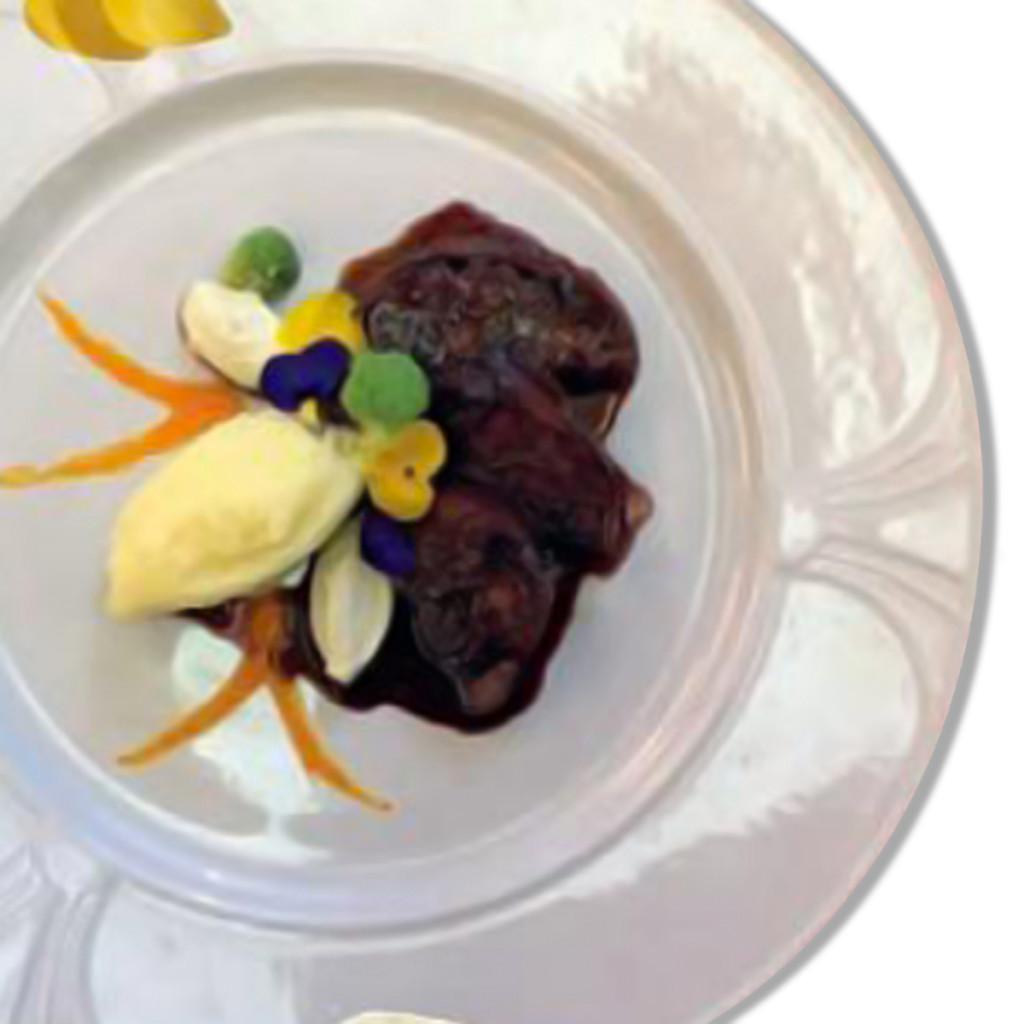 Zampone Modena IGP arrosto con vellutata di fagiolo, mousse di formaggio, croccante di ceci , ricetta