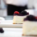 Cheesecake allo Zampone Modena IGP con composta di cipolla rossa e cotechino modena igp