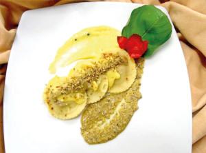 Ravioli-di-cotechino-e-piacentinu-ennese-DOP-in-salsa-di-piastacchio-e-fiori-di-sambuco-2