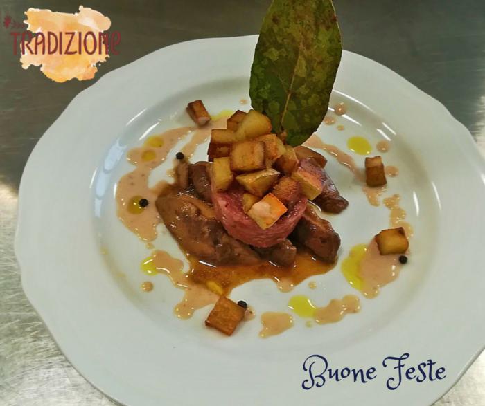 Medaglione di Cotechino Modena IGP con fungo porcino, dadolata di patate e salsa di castagne
