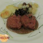 Zampone Modena IGP brasato al Nebbiolo con polenta bianca