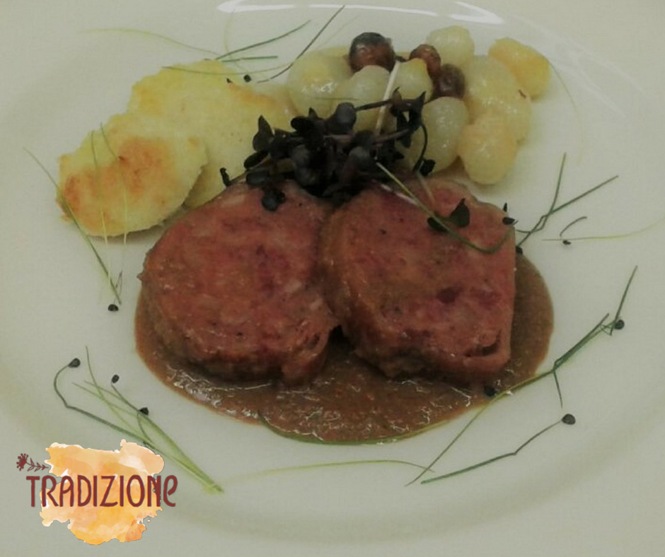 Zampone Modena IGP brasato al Nebbiolo con polenta bianca, ricetta