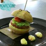 Burgherino: hamburger di Cotechino e maionese